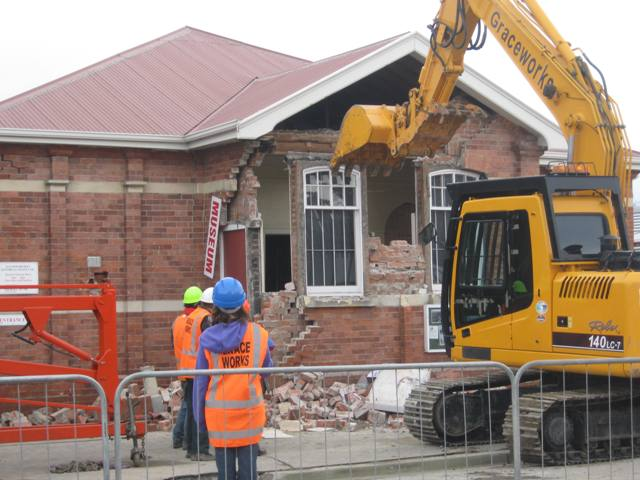 Kaiapoi Museum being demolished – Saturday 11 September, 9.30am